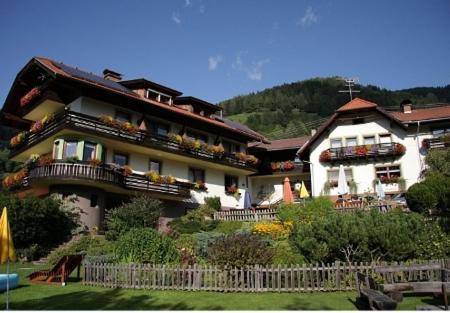 Фотографии отеля: Das kleine Familienhotel Koch, Айзентраттен