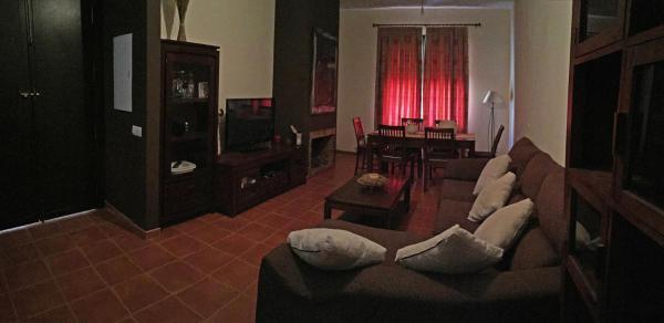 Hotel Pictures: Apartamentos Deluxe Los Rosales, Los Rosales