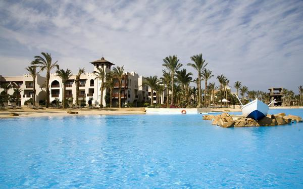 Hotel Pictures: Port Ghalib Resort (Formerly Crowne Plaza Sahara Oasis), Port Ghalib