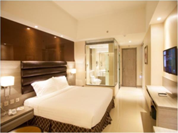 Deluxe King Room (with glass Bathroom)