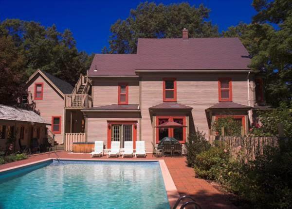 Hotel Pictures: The Grand Street Inn, Kentville