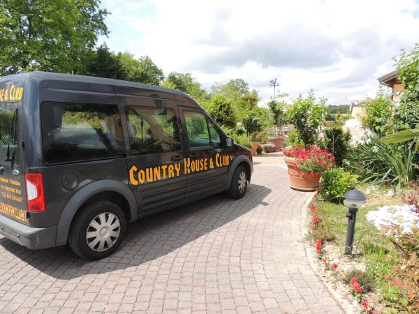 Foto Hotel: Country House Country Club, Noghera