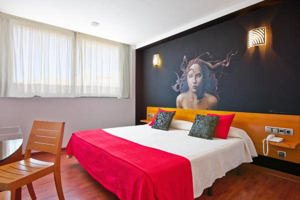 Hotel Pictures: Hotel Plaza Inn, Figueres