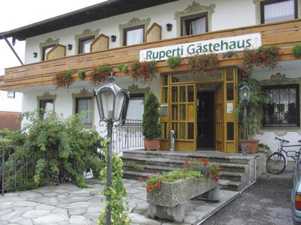Hotel Pictures: Ruperti - Gästehaus, Ainring