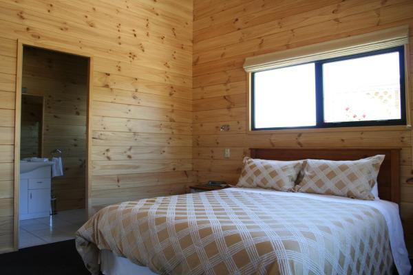 Alpine Three-Bedroom Cottage