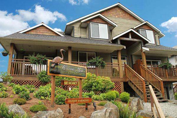 Hotel Pictures: Ocean Mist Guesthouse, Ucluelet