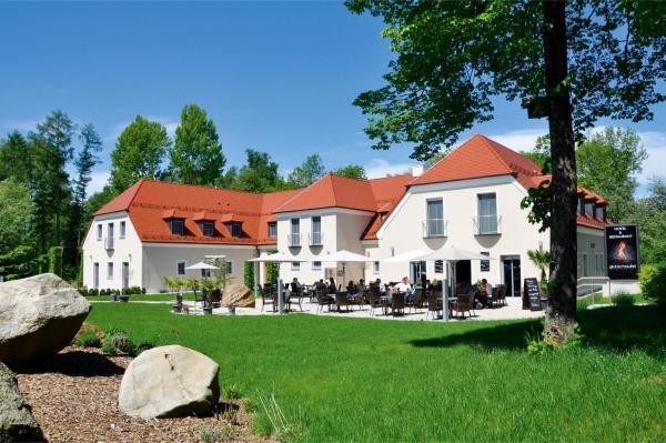 Hotel Pictures: Hotel & Restaurant Glutschaufel, Eschenbach in der Oberpfalz