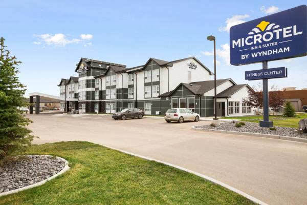Hotel Pictures: Microtel Inn & Suites by Wyndham Blackfalds, Blackfalds