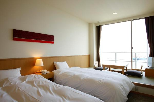 Single Room with Tatami Area and Sea View