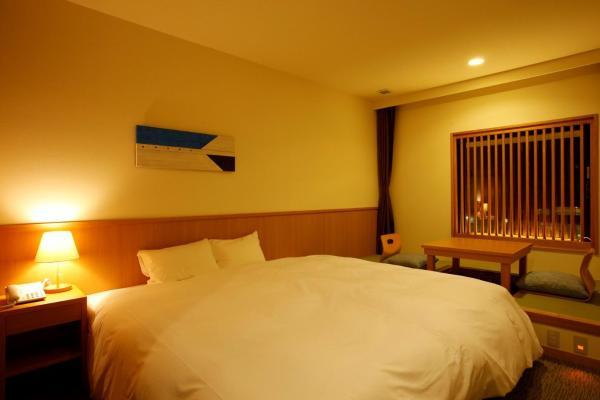 Double Room with Tatami Area and Park View