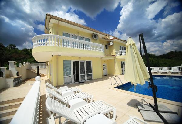 酒店图片: Villa Еmloti, 巴尔奇克