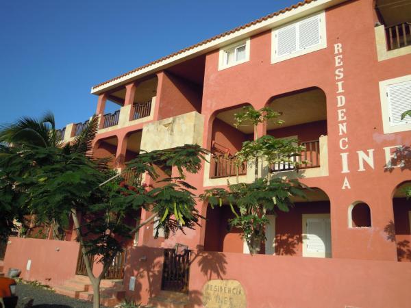 Hotel Pictures: Residencia Ines Ilha do Maio, Vila do Maio