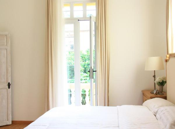 Mainland Chinese Citizens - Deluxe Double Room with Balcony ( No Extra Bed )