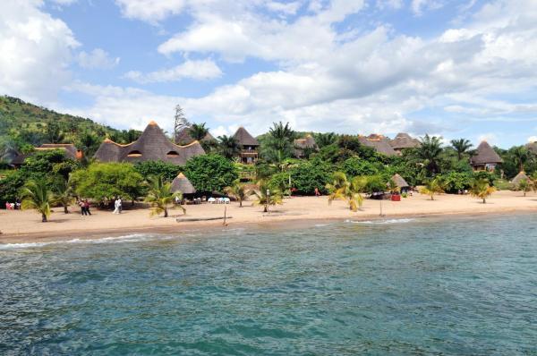 Hotel Pictures: Tanganyika Blue Bay Resort & Spa, Mugotora