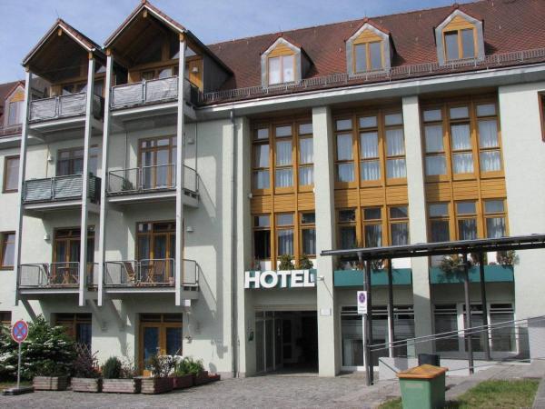 Hotelbilleder: Hotel am Hof, Taufkirchen