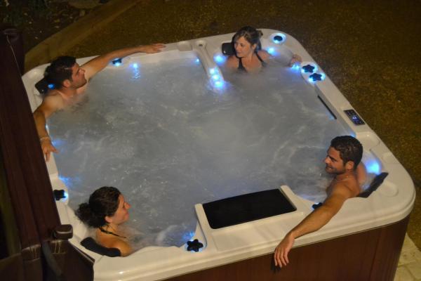 Hotel Pictures: Gite de la Renaissance, Binic , Bretagne, Binic