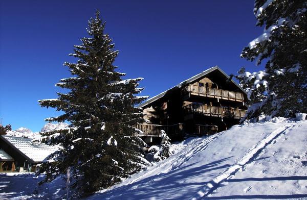 Hotel Pictures: Les Chalets d'Aurouze, La Joue du Loup