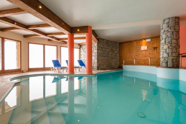 Hotel Pictures: Lagrange Vacances L'Arollaie, Peisey-Nancroix