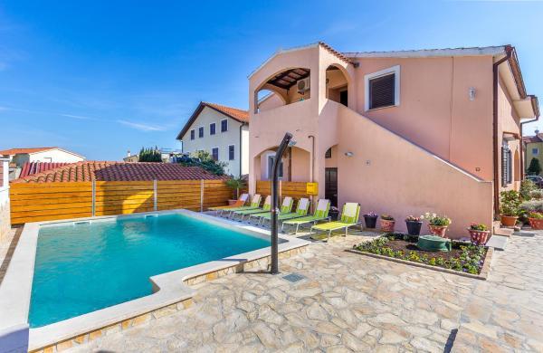 Hotellikuvia: Apartments Bardak, Ližnjan
