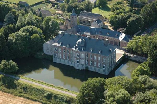 Фотографии отеля: Château de Vierset, Vierset-Barse