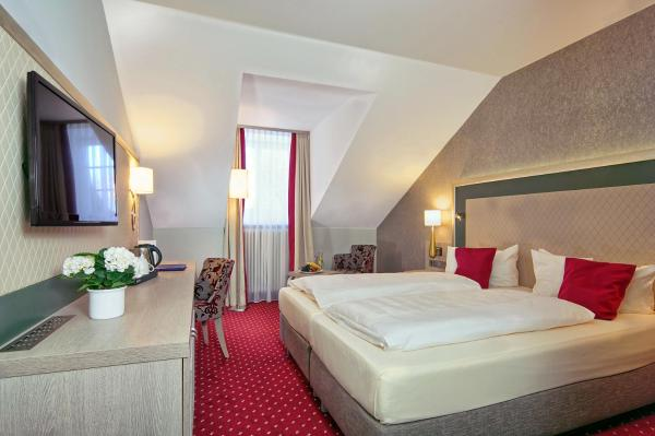 Hotel Pictures: , Miesbach