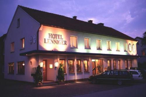 Hotel Pictures: Hotel Lenniger, Büren