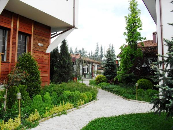 Φωτογραφίες: Dyulgerite Complex, Koprivshtitsa