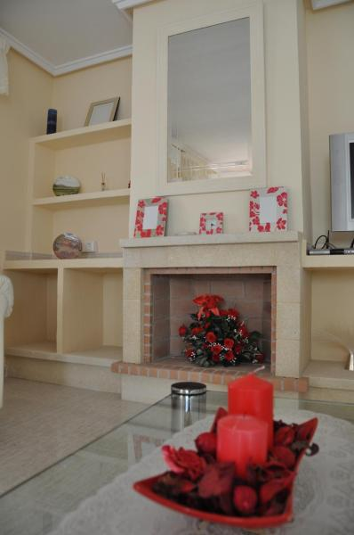 Hotel Pictures: Chalet Lucentum, Puerto Marino