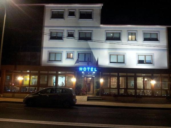 Hotel Pictures: Hotel Bahia, Ardía