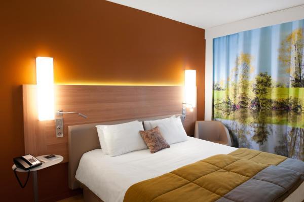 Hotel Pictures: Mercure Mâcon Bord de Saone, Mâcon