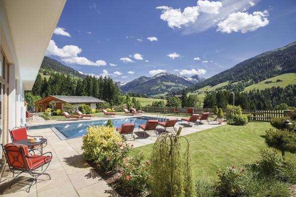 """Hotel Pictures: Natur & Spa Resort """"Der Alpbacherhof"""" Superior, Alpbach"""