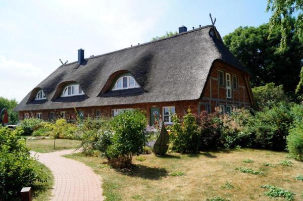 Hotel Pictures: Ferienhaus Mertinat for six, Timmendorf