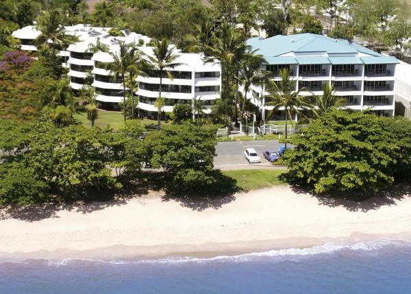 Hotel Pictures: Roydon Beachfront Apartments, Trinity Beach