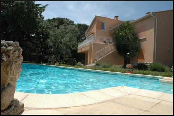 Hotel Pictures: La Vigne et L'Olivier B&B, Villeneuve-lès-Avignon