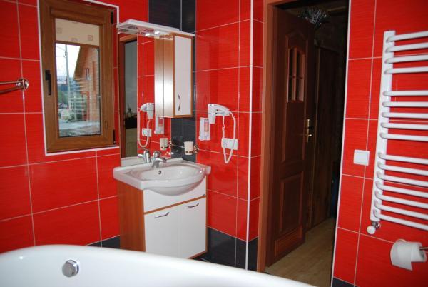 Studio Apartment with Bath