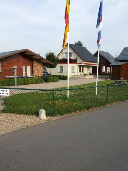 Hotelbilleder: Chalet La Meuse, Maaseik
