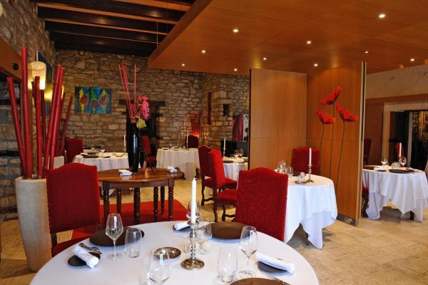Hotel Pictures: La Chaumiere, Dole