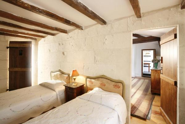 Hotel Pictures: La Porte Rouge - The Red Door Inn, Saintes