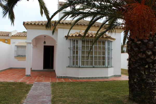Hotel Pictures: Chalet Anade, Chiclana de la Frontera