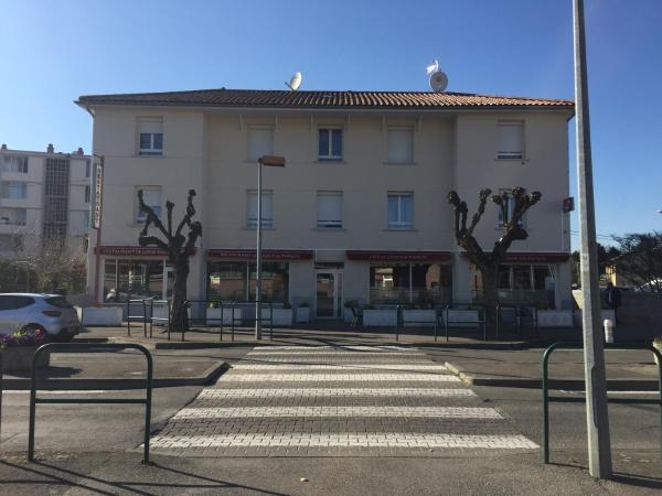 Hotel Pictures: Le Logis Dauphinois, Roussillon en Isere
