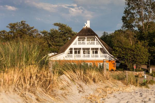 Hotel Pictures: Strandhaus Claassen, Ahrenshoop