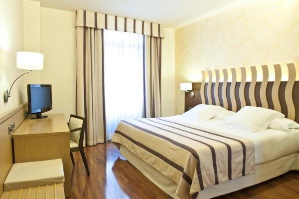 Hotel Pictures: Duran Hotel & Restaurant, Figueres