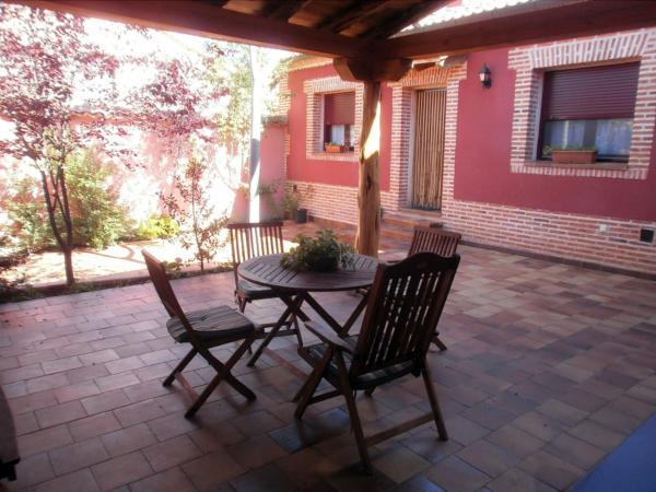 Hotel Pictures: , Fresno de Cantespino