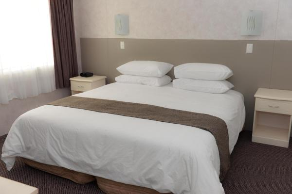 Aloha Superior One-Bedroom Apartment