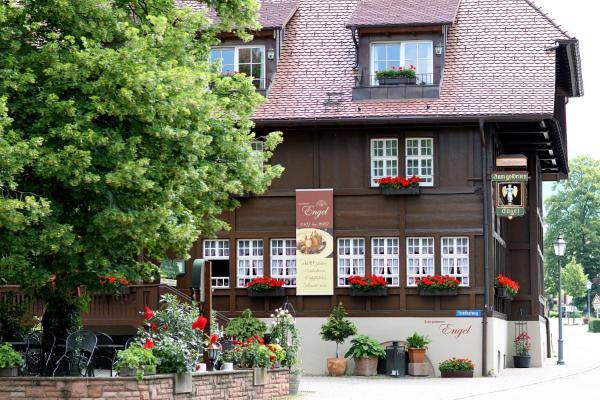 Hotel Pictures: Schwarzwaldgasthaus Goldener Engel, Glottertal