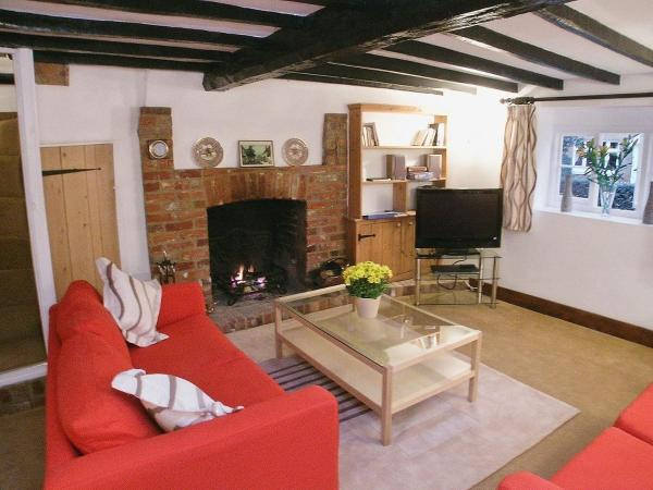 Hotel Pictures: Bere Cottage, Littlebourne
