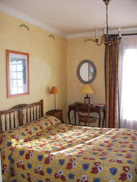 Provençal Double Room with Balcony and Valley View