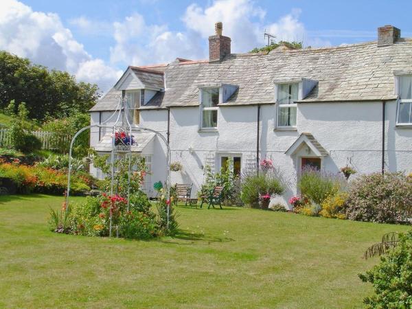 Hotel Pictures: Atlantic Cottage, Tintagel
