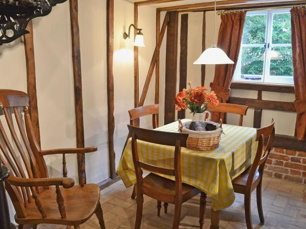Hotel Pictures: Dove Cottage, Mellis