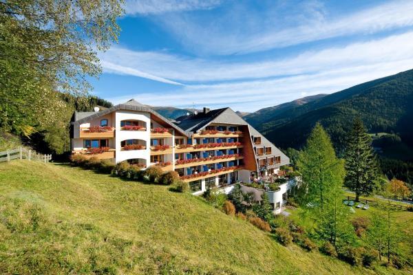 Foto Hotel: Hotel St. Oswald, Bad Kleinkirchheim